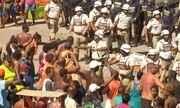 Carnaval de Salvador tem confusão entre ambulantes e policiais