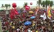 Protesto em Copacabana pede saída de Michel Temer e eleições diretas