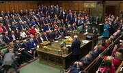 Governo de Theresa May continua à frente do Reino Unido