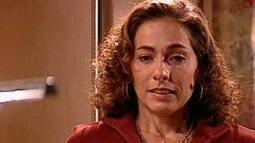 Clarisse fica desolada com a mudança de cargo