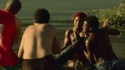 Após atentado, bando de Cleiton joga o corpo dele no rio