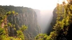 Cânion Itaimbezinho tem mais de 150 milhões de anos e encanta por riquezas naturais