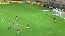 Eduardo quase marca para o Ceará aos 19 minutos!