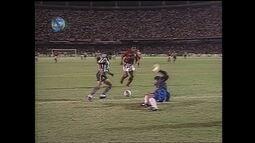 Em 1995, Botafogo vence Flamengo por 3 a 1 pelo Campeonato Brasileiro
