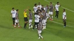 Ricardo Rocha analisa confusão entre Léo e Fred