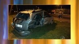 Dupla foge da PM, bate em carro de família e mata menina de 13 anos