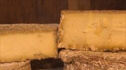 Reprise: Funcionários de santuário resgatam processo de produção do queijo de caverna