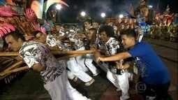Globo Esporte vai até o sambódromo para mostrar as semelhanças do carnaval com o esporte