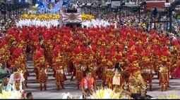 Primeiro dia de desfile do Grupo Especial do Rio de Janeiro anima a Sapucai