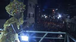 Milhares de pessoas acompanham saída do bloco afro Ilê Aiyê no Curuzu