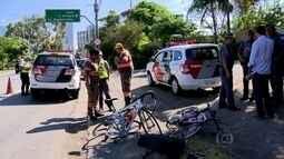 Três ciclistas são atropelados na pista local da Marginal Pinheiros