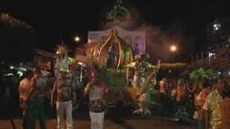 Quatro escolas desfilaram no carnaval de Maués, no AM