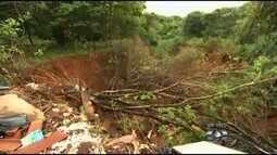 Moradores se preocupam com avanço de erosão no Recanto das Emboabas, em Aparecida