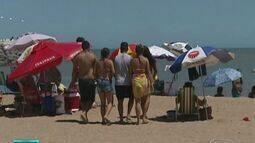 Turistas do ES cogitam 'esticar' o feriado de carnaval para aproveitar as praias