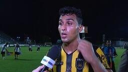 """Maílson sobre pênalti marcado a favor do Vasco: """"Pegou na minha barriga. Foi uma vergonha"""""""