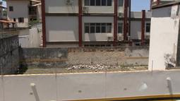 Imóveis que acumulam lixo causam medo na população de Salvador