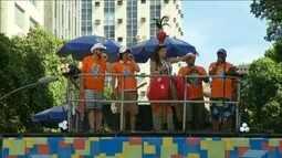 Monobloco anima as ruas do Centro do Rio