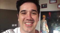 Rogério Flausino invade ensaio do Jota Quest e mostra preparativos para show de lançamento