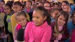 Exército de crianças sai às ruas do Bairro São Mateus, em VG, para combater mosquito