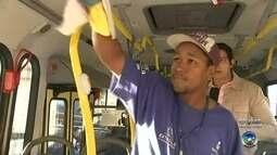Quem usa transporte público precisa ter cuidados com higiene para evitar H1N1