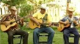 Conheça trio de violeiros 'Pé Quente' do Vale do Aço