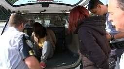 Três pessoas são presas com armas e drogas em rodovia de Itu