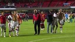 Jogadores do São Paulo discutem na saída de campo, e Ganso minimiza
