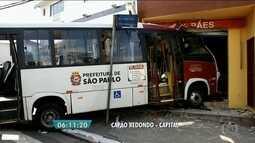 Acidente com micro-ônibus deixa 11 feridos na Zona Sul da capital