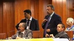 Vereadores adiam votação sobre fim da cobrança adicional do IPTU, em Goiânia