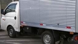 Bandidos roubam caminhão e fazem motorista e crianças reféns na Grande BH