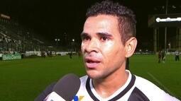 Ederson agradece a Deus por estreia com gol e diz que joga onde Jorginho se quiser