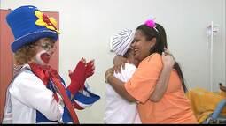 Voluntárias ajudam e levam alegria para pessoas em tratamento contra o câncer