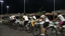 Grupo de ciclistas protesta contra violência