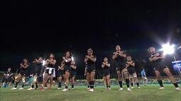 Jogadoras da Nova Zelândia fazem a haka após final do rúgbi