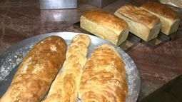 Aprenda como fazer um delicioso pão com ervas caseiro