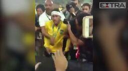 Após ouro inédito do futebol, Neymar discute e xinga torcedor no Macaranã