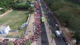 Milhares de trabalhadores rurais fazem protesto e pedem melhorias no campo