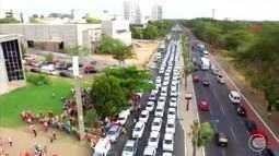 Taxistas param rodovia e protestam contra violência e insegurança após morte de colega