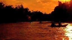 Grupo de amigos desafiam as correntesas do Rio Formoso em Tangará da Serra