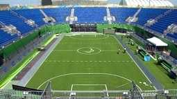 Quadra principal de tênis da Olimpíada se transforma na quadra de futebol da Paralimpíada