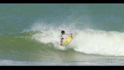 Etapa do estadual de bodyboarding chega à Praia dos Cavaleiros, em Macaé, RJ