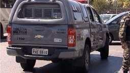 Carro da PM capota e policial fica ferido em Belo Horizonte