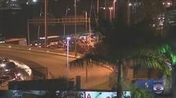 Manifestantes protestam contra impeachment de Dilma em SC