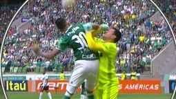 Comentaristas analisam lance reclamado por Coritiba contra o Palmeiras