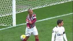Arnaldo Cezar Coelho analisa polêmicas nos dois jogos entre Fluminense e Corinthians