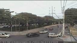 Irritado, motorista atropela agente de trânsito após ser multado em Manaus