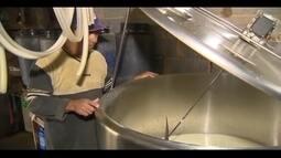 Após meses em alta, preço do leite pago ao produtor no Campo das Vertentes começa a cair