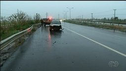 Acúmulo de água em trechos da BR-153 causa acidentes em Anápolis