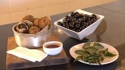 Aprenda receita de bolinho salgado de jabuticaba com ora-pro-nóbis