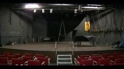 Teatro Atiaia está fechado há um ano em Governador Valadares